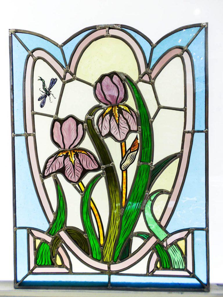 Art Nouveau : Fleurs et libellules