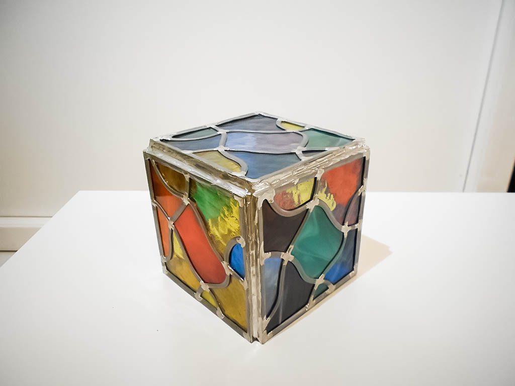 Cube décoratif en vitrail